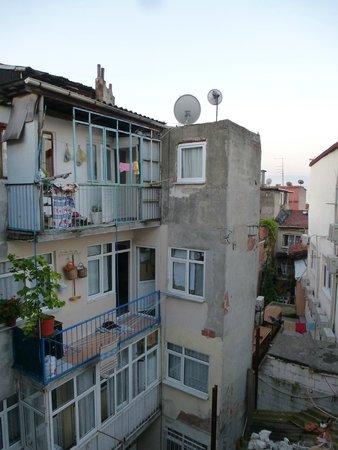 Sirma Sultan Hotel Istanbul: кусочек моря )