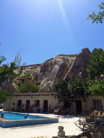 Nirvana Cave : Nice view, nice pool