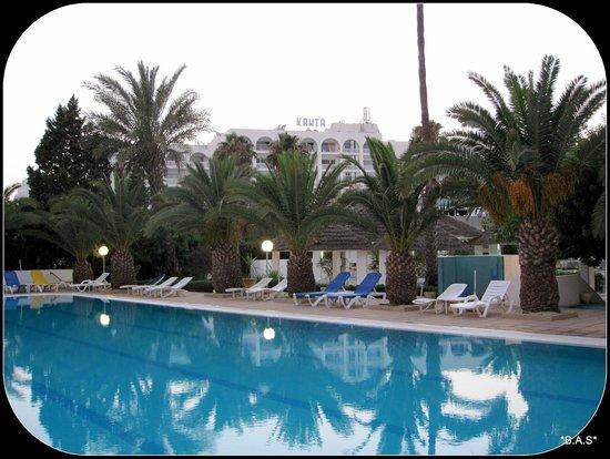 Hotel Kanta: Kanta pool
