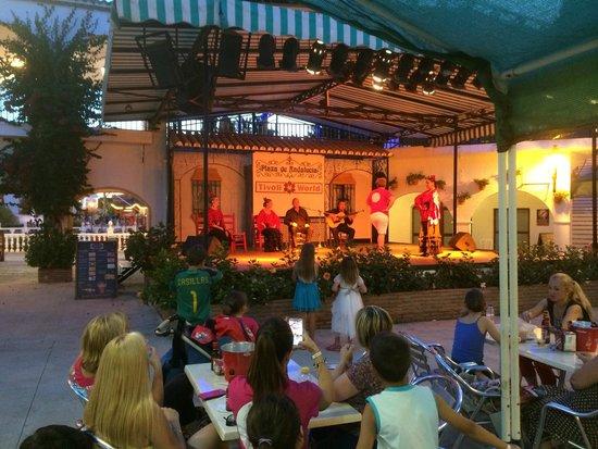 Tivoli World: Plaza Oeste
