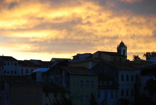 Pousada da Mangueira : le camere si affacciamo su un panorama della città vecchia che s'infuoca al tramonto.foto c poli
