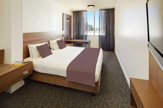 Quality Hotel Ambassador Perth : Premium Deluxe Room