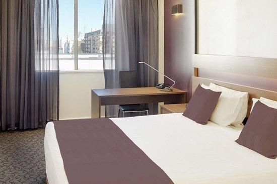 Quality Hotel Ambassador Perth: Premium Deluxe Room