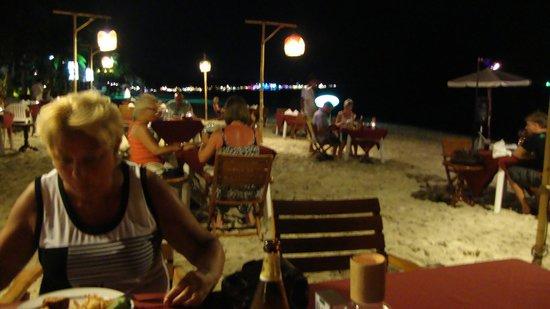 Banana Fan Sea Resort : Dinig