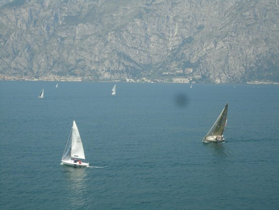 Piccolo Hotel: Sailing Boats on Sunday