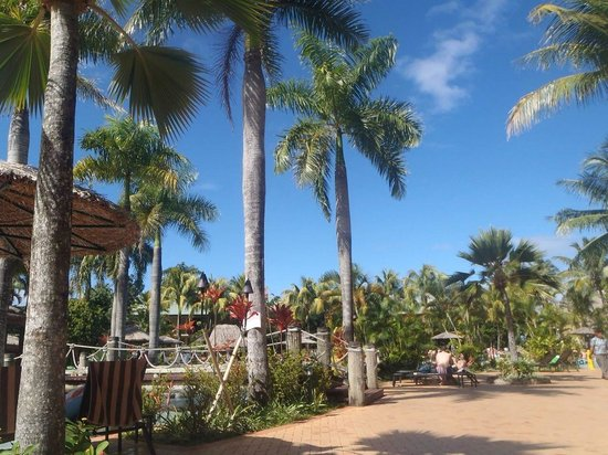 Outrigger Fiji Beach Resort: Everything we dreamt of and more !