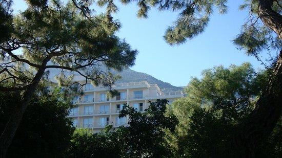 Rixos Beldibi: Вид на отель с территории