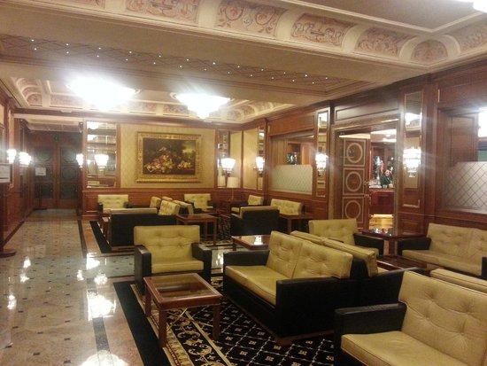 Hotel Simplon: Лобби