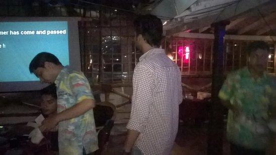 Baga Beach: Karaoke