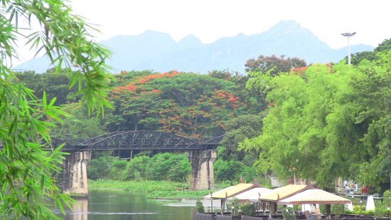 U Inchantree Kanchanaburi: bridge view