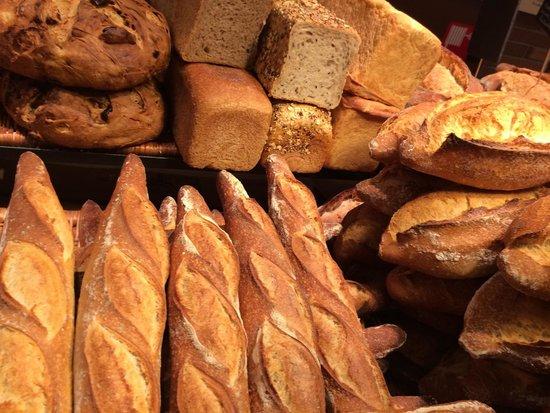 Hotel Praktik Bakery : Пекарня на первом этаже не оставит вас равнодушными)