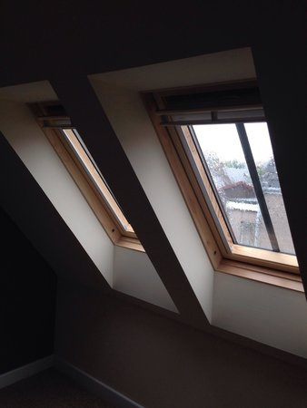 Ardross and Glencairn Guesthouse: Lovely and airy windows