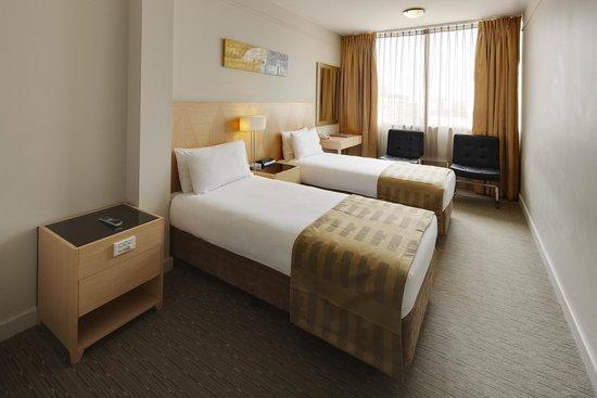 Quality Hotel Ambassador Perth: Deluxe Room