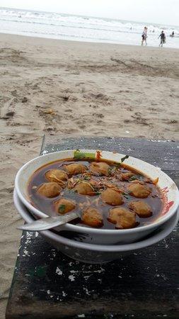 Double Six Beach: Meatball