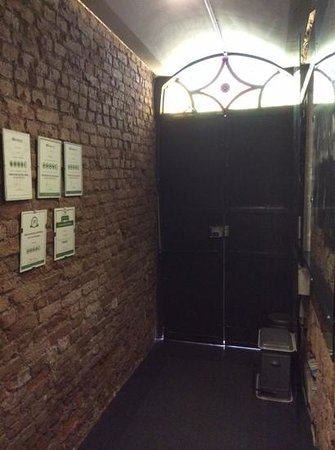 I'zaz Lofts: Entrance