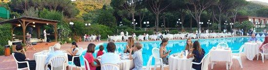 Hotel Desiree : Cena a bordo piscina
