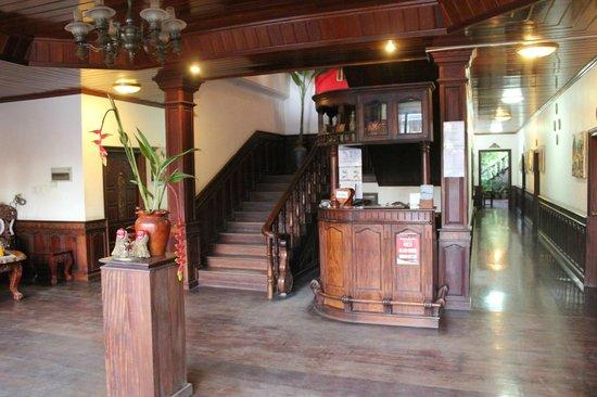 Vangsavath Hotel: ロビー
