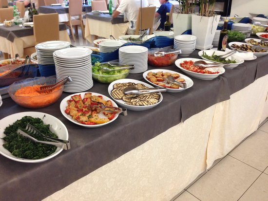 Hotel San Leo: Buffet di verdure ed antipasti