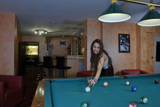Krone Igelsberg: Bar mit Billardtisch