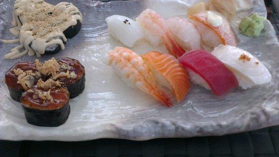 Lui y Keito: Ración de sushi