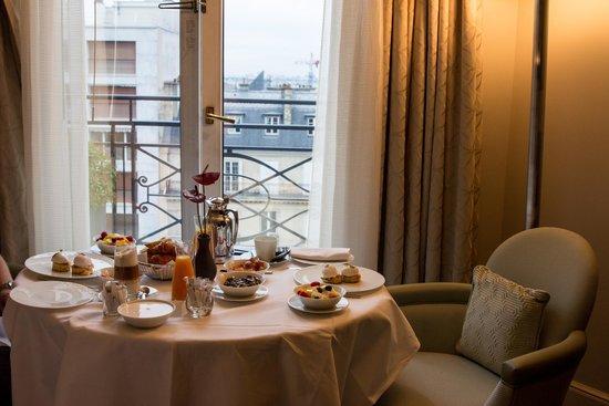 Prince de Galles, a Luxury Collection Hotel : Art Deco Deluxe Terrace
