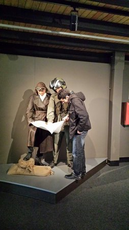 Air Force Museum : They show me where are enemies places haha
