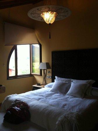 La Casona del Viajante: La comodísima cama...