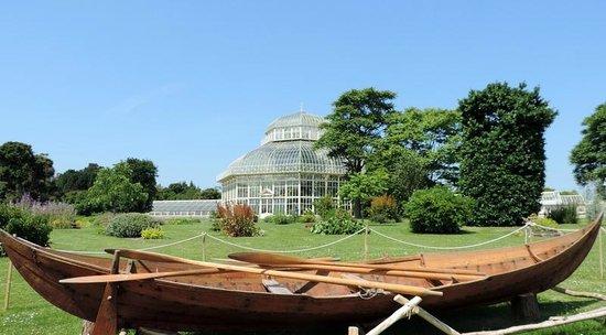 National Botanic Gardens: 'Gro' Viking Boat on loan to the Garden
