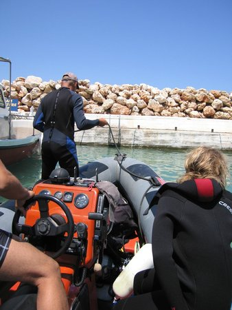 Omega Divers Chania Diving Center: Prepare to dock