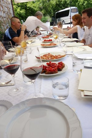 Italy Hotline Custom and Gourmet Tours: Lunch at La Chiusa ristorante, a farmhouse in Tuscany