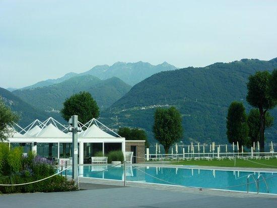 Seven Park Hotel: Pool mit Kamera!