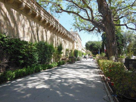 San Anton Gardens: along the presidential palace
