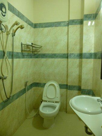 Star Hotel: Bathroom