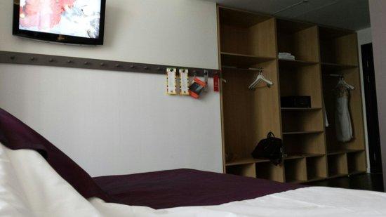 AZIMUT Hotel Tulskaya Moscow : Большой номер. Мне достался благодаря ошибке Администратора