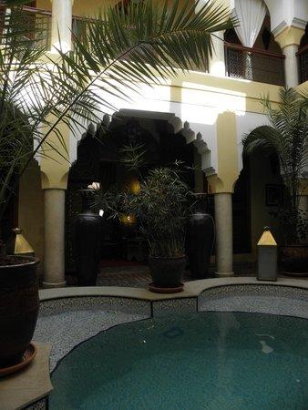 Riad Lena & SPA: piscine du riad lena