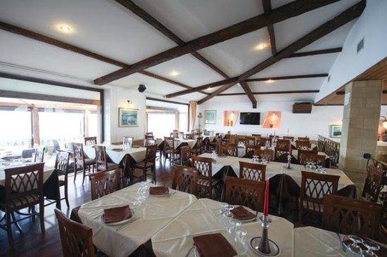 Casablanca Ristorante Pizzeria: Sala interna affaccio Mare