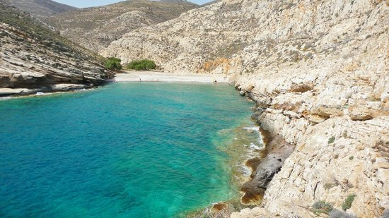 Livadaki Bay & Beach - Picture of Livadaki Beach ...