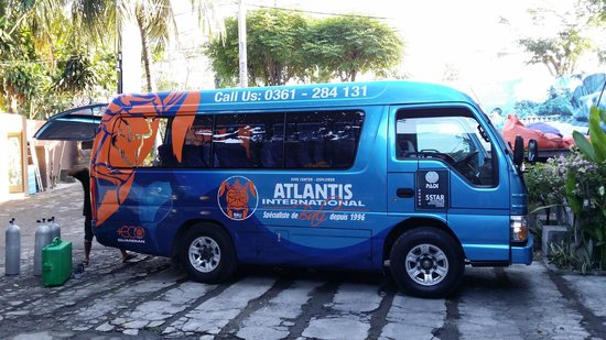 Atlantis International Bali: Large vans with plenty of space and cold a/c of course!