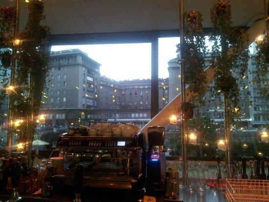 Motto am Fluss: View over the bar
