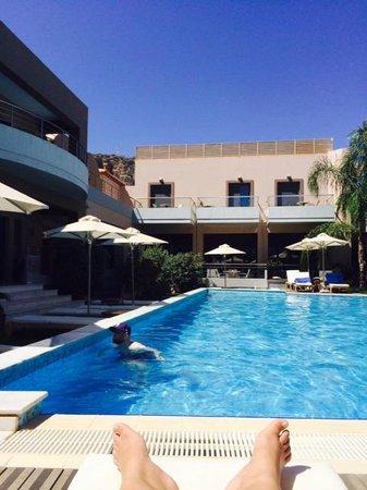 Libyan Princess: By the pool