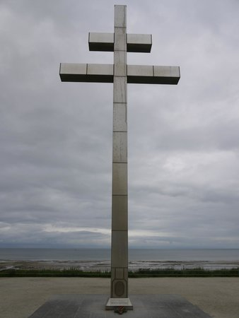Centre Juno Beach : La croix de Lorraine, près du centre Juno