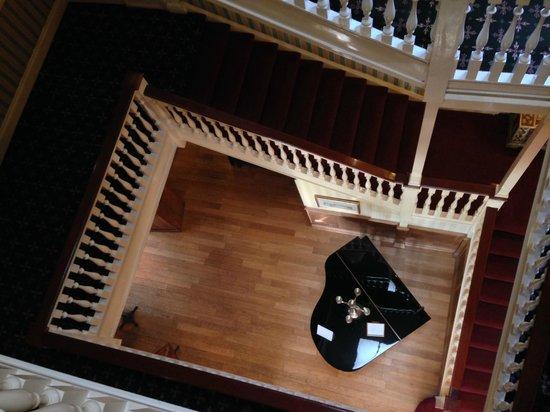 Balmer Lawn: Staircase