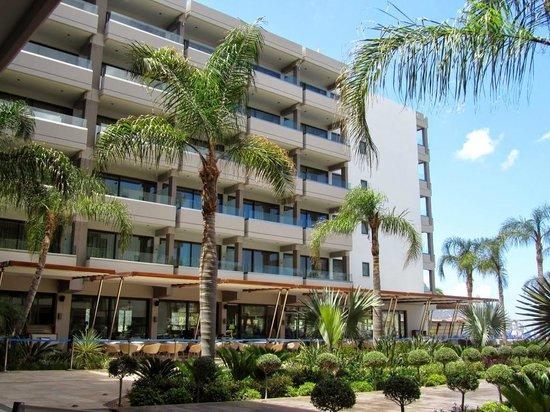 Alimounda Mare: Hotel e ristorante all'aperto