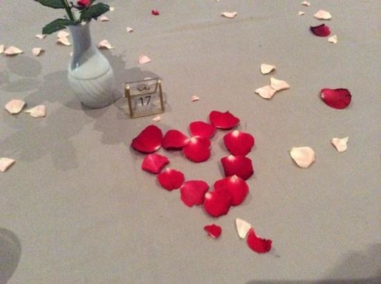 Hotel Riu Palace Tikida Agadir: beautifull table for anniversary