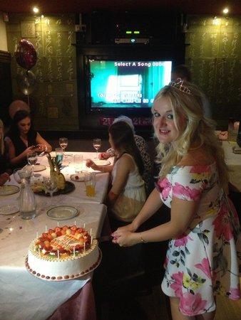 Joy Inn Restaurant : Happy Birthday !����������