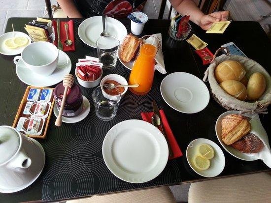 Bed and Breakfast La Casa nel Bosco: Colazione