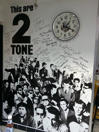 2 Tone Cafe & Simmer Down Restaurant: 2-Tone wall of fame