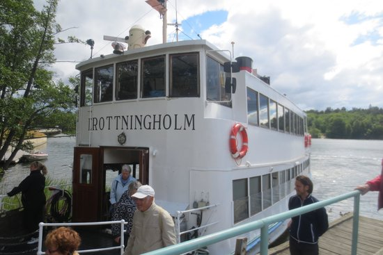 Drottningholm Palace: The steamboat pier