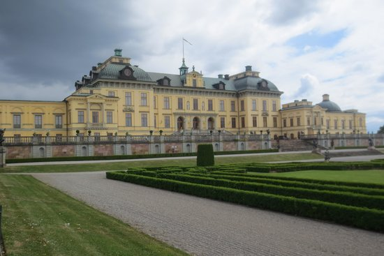 Drottningholm Palace: The Palace from the garden side