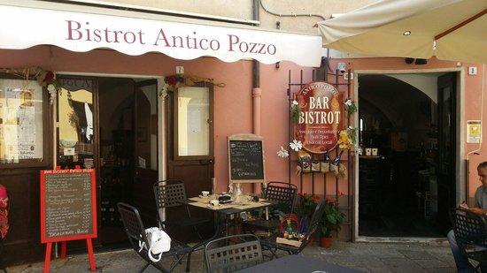 Antico Pozzo Bar Bistrot: Lokal